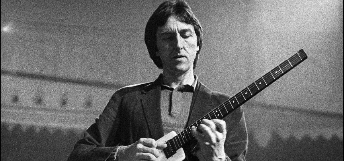 play like allan holdsworth