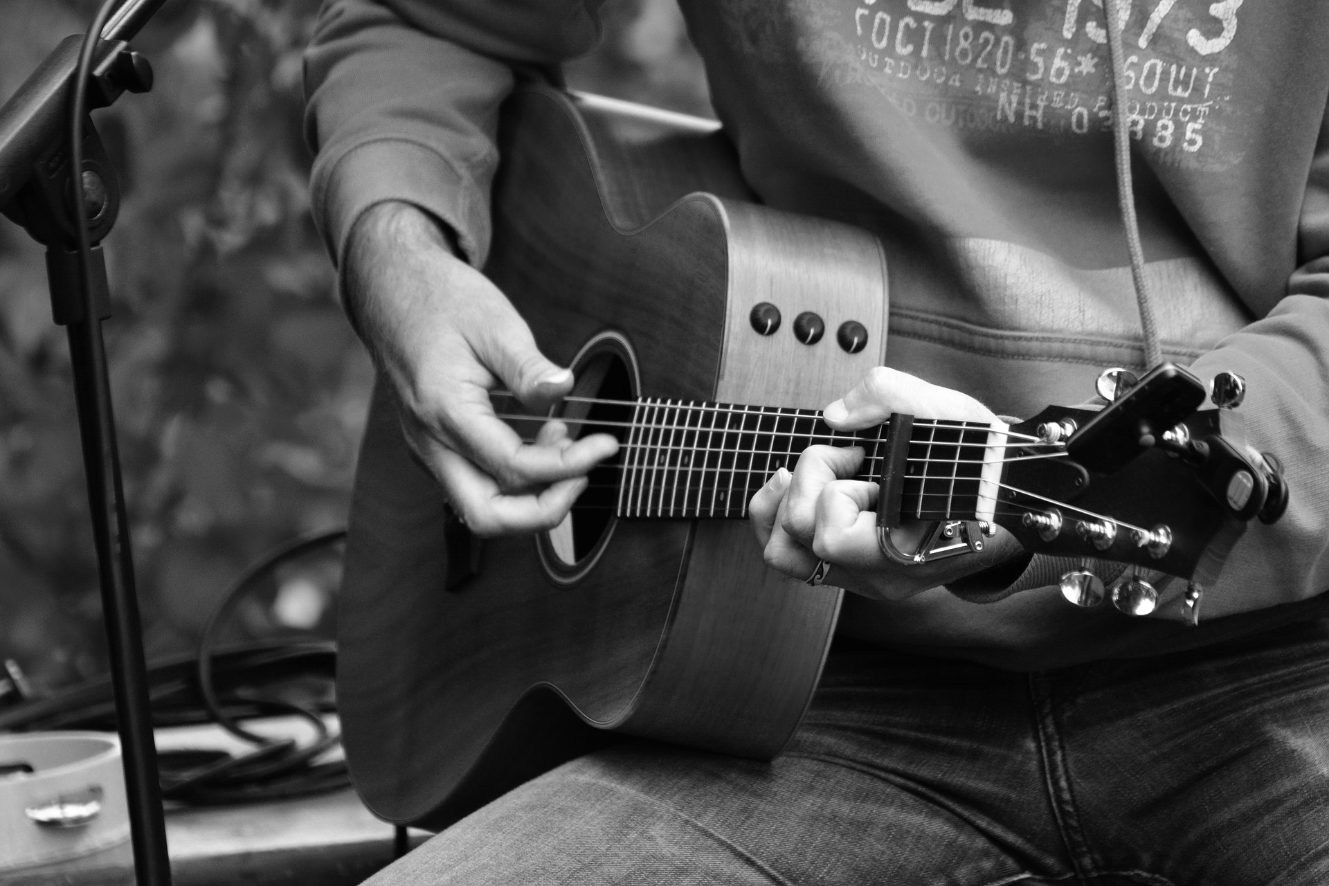 learn chords on guitar