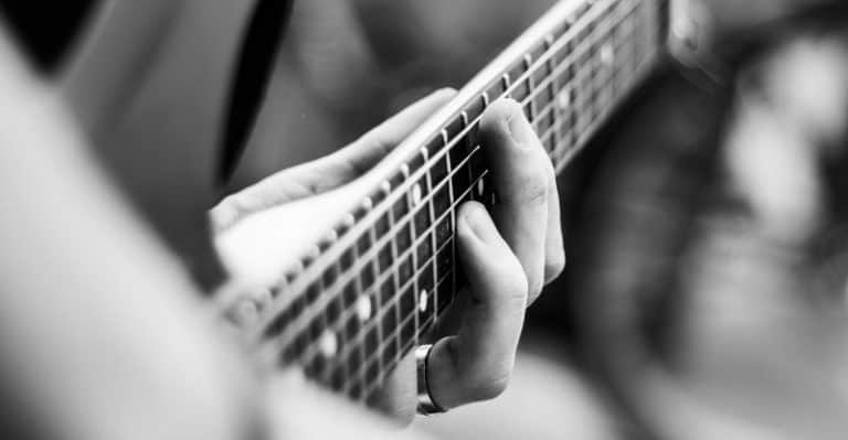 how to own the guitar fretboard