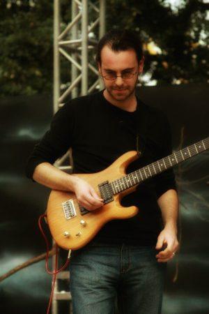 graham tippet guitarist